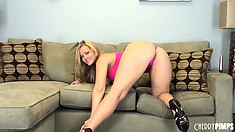 Alexis Texas is a lusty blonde bitch that likes showing her sexy body