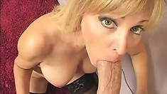 Nicole has him licking and fingering her twat and she sticks his dick in her mouth