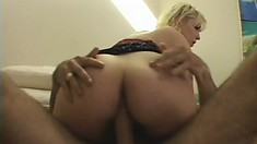 Blonde college babe with a lovely ass has a tight pussy yearning for attention