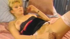 Lynn LeMay gets her cunny smacked by Joey Silvera in classic porn
