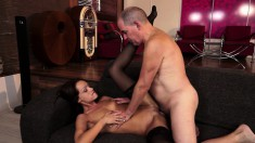 Mature stallion gets into a fuck fest with an inexperienced slut