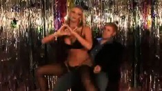 Stacked blonde milf in lingerie Phoenix Marie delivers a nice handjob