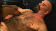 The muscled dude pleases himself to orgasm while riding his friend's hard stick