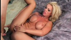 Stacked blonde can't stop squirting when he's doing her so fine