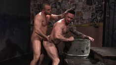 Muscled gay player can't resist playing with this hung guy's piston