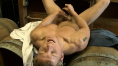 Ripped buck gives in to temptation and rubs his vicious prick