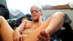 Hot sexy babe masturbating on live webcam