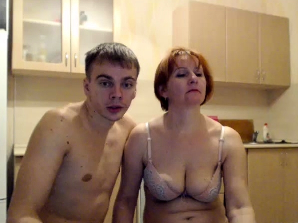 redhead-woman-and-young-boys