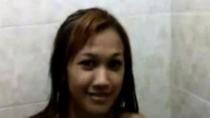 Indonesian Chick Naked In The Shower